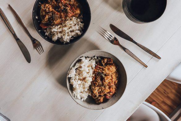 Gemüsecurry mit Reis - vegetarisch und glutenfrei